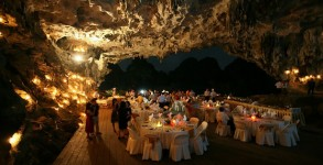 Dragon Pearl Junk Dinner in Cave
