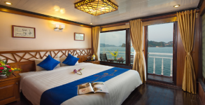 Grayline Cruise Deluxe Balcony Double Room