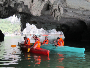 halong_kayaking_full_day2
